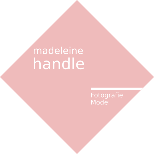 Madeleine Handle - Model - Fotograph